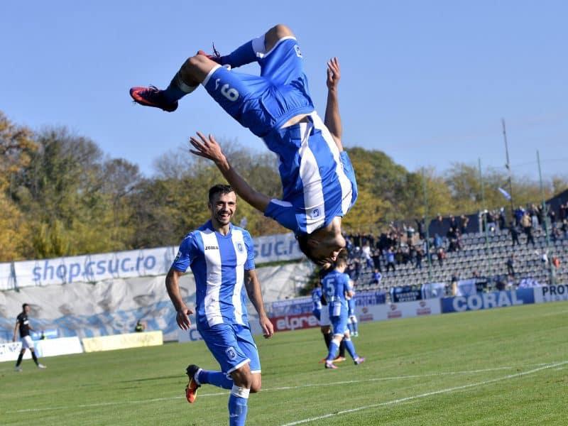 Andrei Ivan in meciul dintre CS U Craiova si Pandurii Targu Jiu, din etapa a XIV-a a Ligii 1 Orange, disputat pe stadionul Extensiv din Craiova, sambata 29 octombrie 2016 se bucura dupa golul marcat